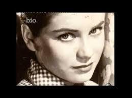 Elvis Presley - Elvis In Love (Bio Channel Documentary) - YouTube