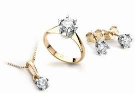 Jubiler wykona profesjonalnej jakości biżuterię srebrną jak i złotą.