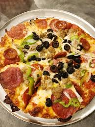 photo of round table pizza kailua hi united states small king arthur