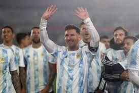 Fußball - Messi nach Rekord emotional ...