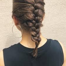 ミディアムヘアの編み込みヘアアレンジ8選自分での簡単な髪型の仕方も