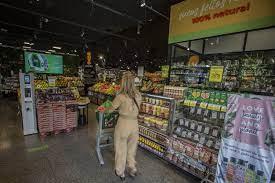 Supermercados aceleram ritmo de expansão - 15/10/2021 - Painel S.A. - Folha