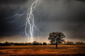 Znalezione obrazy dla zapytania burze i silny wiatr grafika