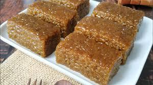 Halua kenari merupakan kue khas manado yang memiliki bahan utama kacang kenari dalam pembuatannya. Resep Kue Wajik Yang Enak Dan Legit Youtube