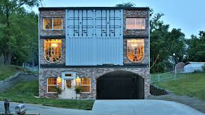 A 3,100-square-foot, $135K container house lets its owners live mortgage  free