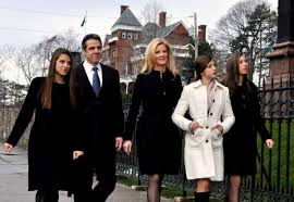Jul 15, 2021 · the new york state executive mansion is located on eagle street in downtown albany. It S His Kind Of Town
