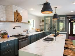 Maximized Kitchen Space With Large Island