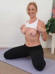 Sexy Milf Does Nude Yoga The Adult News