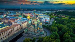 Saint petersburg, the second largest city in russia, is located on the banks of the neva river at the head of the gulf of finland of the baltic sea. Kreuzfahrten Nach St Petersburg Hafen Ausfluge Reisetipps