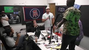 And Today Into The Radio Handed Came Zimbabwe Barstool Midget Zah v1qT7Oq