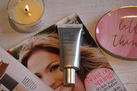 enter estee lauder s revitalising supreme cc cream you apply this grey coloured cream with your fingers just like it is moisturiser no fuss no brushes