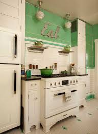 Art Deco Kitchen Kitchen In Mint Condition Stove Vintage Kitchen And Cabinets