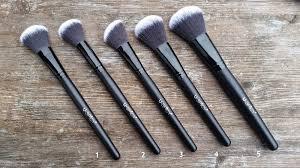 uy plete 32 piece essential makeup brush set brushes
