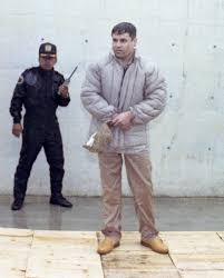 El Chapo Guzman (pharmacist to America) has escaped prison for a 2nd time.  Coming for you trump! • /r/pics | Chapo guzmán, El chapo guzmán, Gang  culture