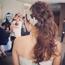可愛くてお洒落なポニーテールの花嫁ヘア髪型まとめ Marry