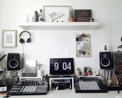 Home studio in London. Native instruments maschine studio ableton push RME  ucx focal CMS-