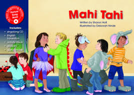 Mahi Tahi / Working together (Te Reo Singalong with CD #9) by Sharon Holt |  The Dorothy Butler Children's Bookshop