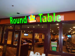 round table pizza front sign