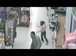 In Escapes Kidnapper Alleged On Tape Girl From Caught Walmart TIqRqHzw