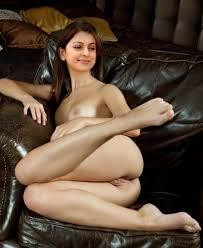 18 Surveen Chawla Naked XXX Photos Nude Boobs Images Porn Chut Pics