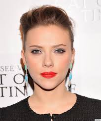scarlett johansson rocking the red lipstick makeup dark smoky eye makeup tutorial friday night out with