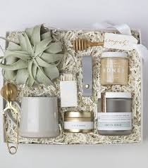 green and gold gift box 160
