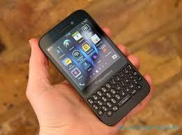 BlackBerry Q5 Review - SlashGear