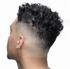 Dégradé Homme Cheveux Bouclés Coiffure Homme Tendance 2018