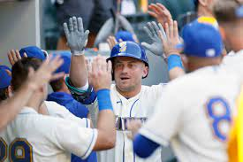 Mariners win victory, lose war against ...