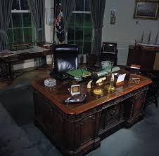 desk oval office. oval office desk