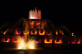 things to do in chicago top attractions travel guide buckingham fountain at night in chicago