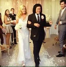 gene simmons wife wedding dress. gene simmons kiss wife wedding dress d