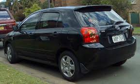 File:2004-2007 Toyota Corolla (ZZE122R 5Y) Ascent 5-door hatchback ...
