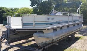 Sun Tracker Party Barge Pontoon Boat 1993 for sale for $3 000