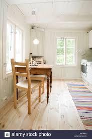 Küche Interieur Mit Einem Kleinen Esstisch Für Zwei Personen Und