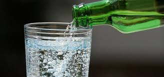 how to what s the difference between tonic seltzer club soda mineral water