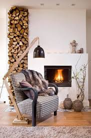 Dafür ist es wichtig, dass das kaminholz witterungsgeschützt aber luftig. Brennholz Lagern Kann Auch Kunstvoll Und Asthetisch Sein