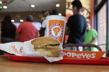 Image result for women crazy over popeyes chicken sandwich loved by women