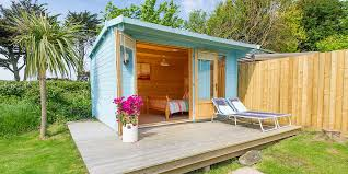 Natural Small Wooden Garden Summer House Shed Can Be Decoration
