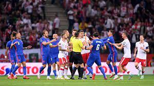 عاجل.. فيفا يفتح تحقيقًا بعد تعرض نجم منتخب إنجلترا للعنصرية في مباراة  بولندا - واتس كورة