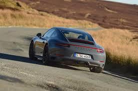 I vertici di stoccarda, infatti, dopo aver progressivamente trasformato la 911, nel corso degli ultimi quarant'anni, da modello obsoleto e. Porsche 911 Carrera 4 Gts 991 Facelift Specs 0 60 Quarter Mile Lap Times Fastestlaps Com