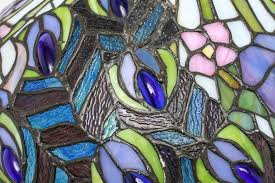 tiffany style american art nouveau stained glass peacock feather table lamp detail