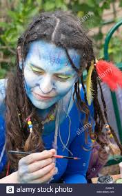 woman in a costume of neytiri a na vi from the 2009 avatar