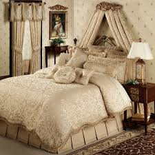 Master Bedroom Bedding Sets Bedroom Glorious Master Bed Decorated With Luxury Bedroom