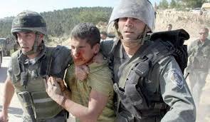 صحفية إسرائيلية تصف جنودًا عذبوا فلسطينيين بـ