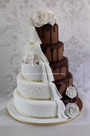 Dripping Chocolate Wedding Cake Half And Half Cake By Zoes Fancy