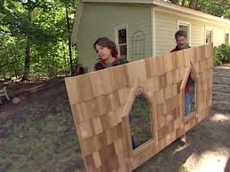 Easy Forts To Build How To Build A Tree Fort How Tos Diy