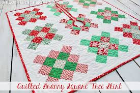 Fort Worth Fabric Studio: Granny Square Quilted Tree Skirt + Pillow & Click HERE to purchase Tree Skirt Kit - sold out Adamdwight.com