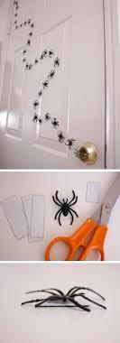15 Amazing DIYs for Halloween Decor: 7. Spider in Line