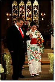 english wedding with bride in kimono Wedding Kimono Male deborah looked absolutely beautiful; graceful, elegant, ceremonial, striking and so very happy below you can see the photo from their wedding wedding kimono for sale